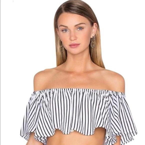 2803bd29d2144 House of Harlow 1960 Tops